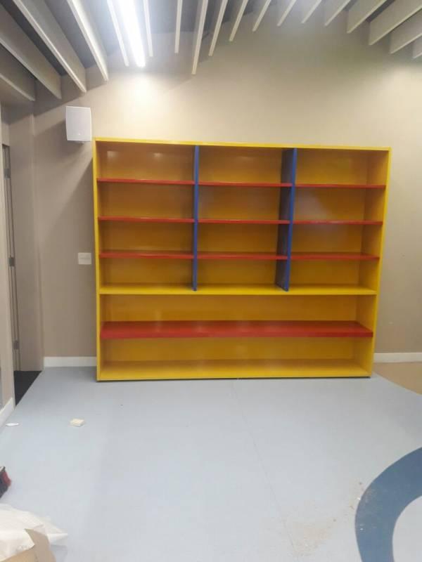 Mobiliário de Loja Alphaville Residencial Plus - Mobiliário para Empresa